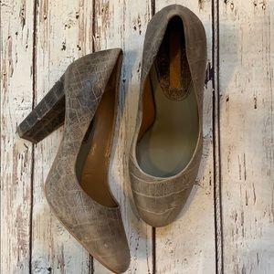 Banana Republic faux croc heels size 7.5